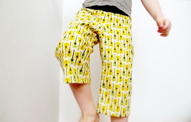 Cirque shorts 1