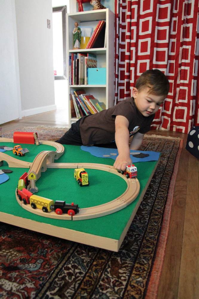 Diy rolling train table