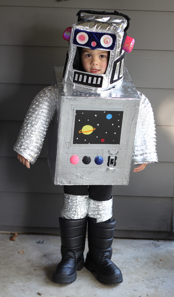 Small Friendly Diy Space Robot Costume