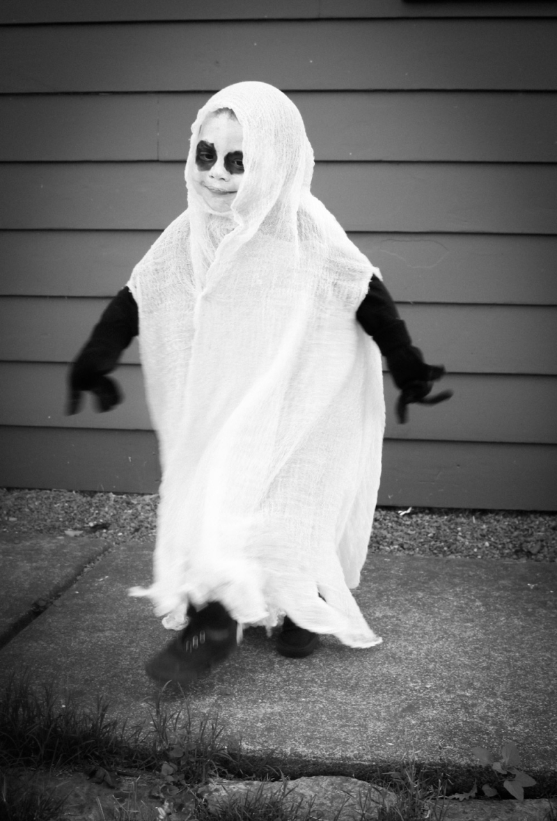 Easy handmade ghost costume