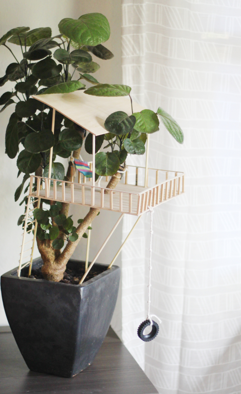 Houseplant treehouse