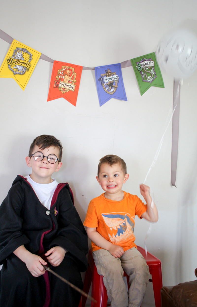 Diy harry potter party-photo booth