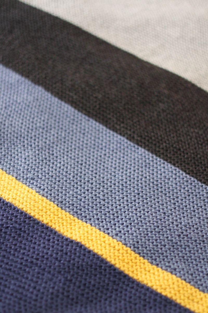 Colorblock knit blanket