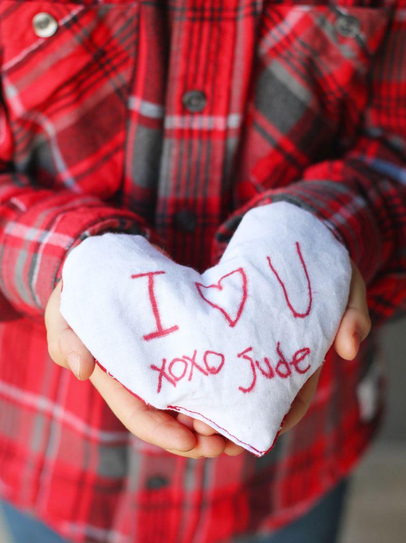 Kid craft valentine sachet
