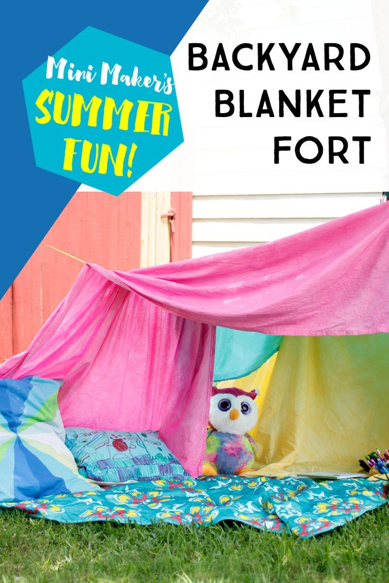 Backyard-blanket-fort