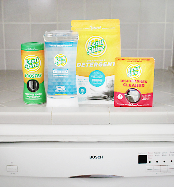 Wash dishes with Lemi Shine